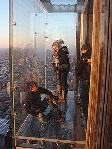 sears-kulesi_-cam-balkon_1